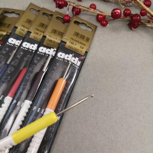 Крючок Addi металлический с пластиковой ручкой 15см